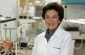Natalia López Moratalla: diálogo molecular